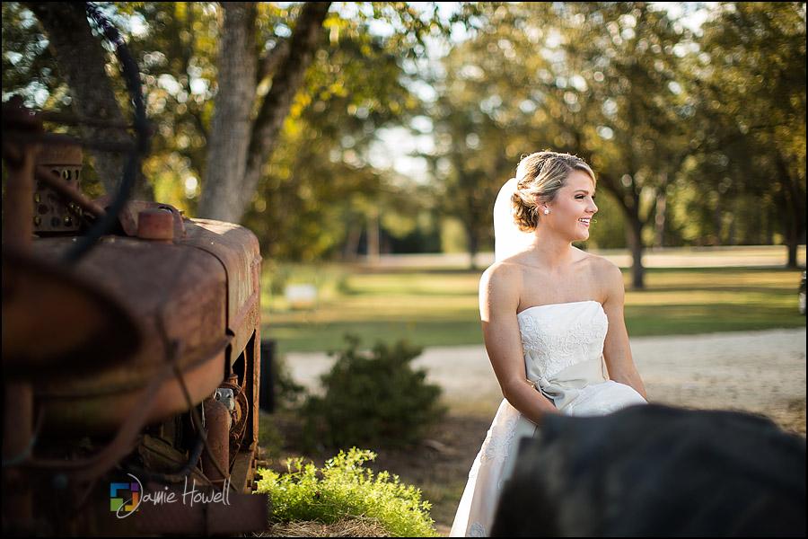 Auburn Alabama Lazenby Farms bridal session