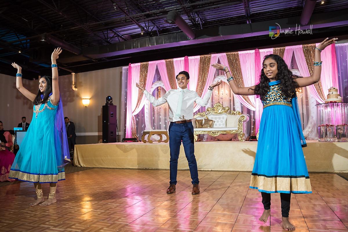Signature Ballroom Indian wedding reception (27)