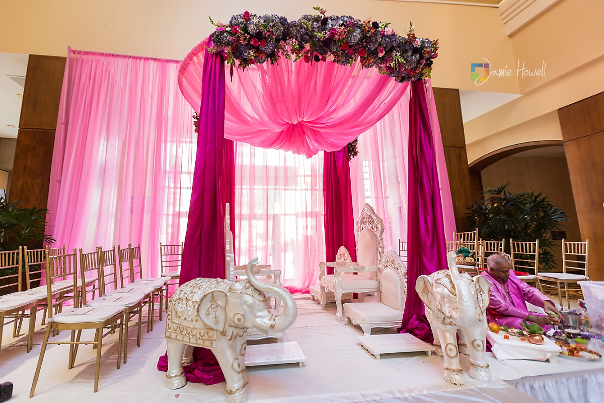 Hilton Charlotte Center South Asian Wedding (10)