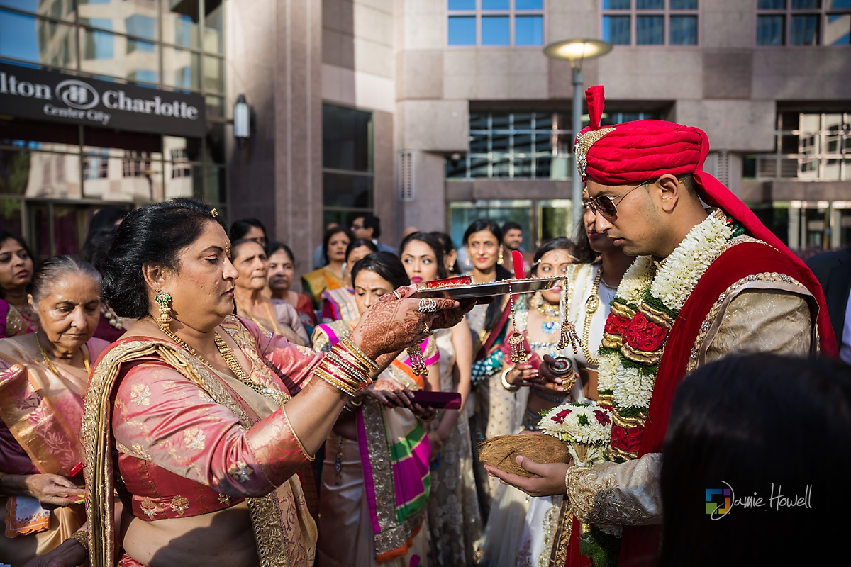 Hilton Charlotte Center South Asian Wedding (12)